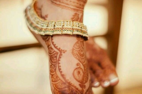 Gold and meena payal |Trending Indian anklet ideas - Bridal Payal designs