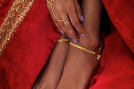 Delicate gold payal | Trending Indian anklet ideas - Bridal Payal designs