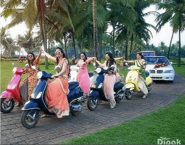 Bride enters with her girls squad | Trending AF in 2017 – Some of the NEW WEDDING TRENDS you need to know!