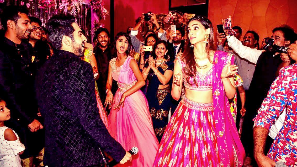 Ayushmann Khurrana and Kriti Sanon Gate crash a wedding in Mumbai