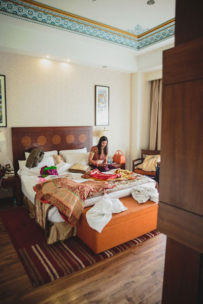Nimisha and Hemant | Temple wedding in Delhi | The bride getting ready for her wedding day.