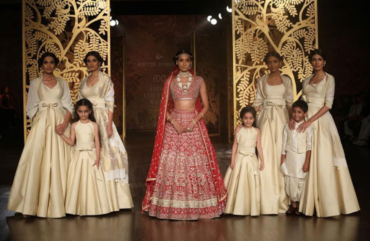 The bridesmaids collection | Creme and ivory Anita Dongre bridesmaids collection |  obi wan belts |  red and gold gotapatti lehenga