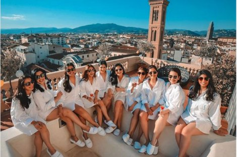 Florence wedding| Create memories with your BFF– Bridesmaids photoshoot Ideas WE LOVED!