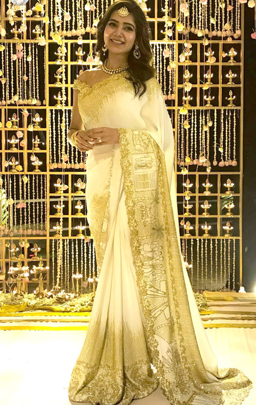 Samantha Prabhu wearing a pretty white saree with personalised embroidery on the pally in gold - love story saree