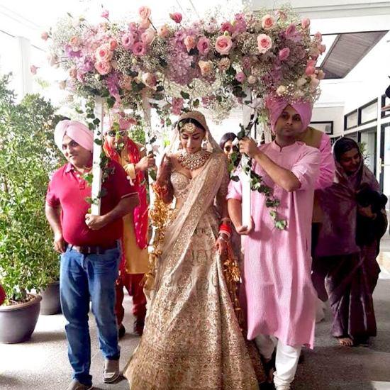 Phoolon ki chadar entry | #CelebrityWedding done right – Amrita Puri's dreamy Bangkok wedding was such a stunning sight!