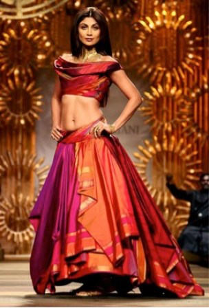 Layered lehenga | Trending (since forever) & how: Different Ways to use those old school Benarasi clothes