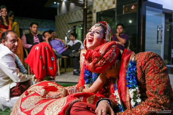 Indian Wedding Planning Mistakes | Bride & groom share a happy moment | Real Brides REVEAL - 6 mistakes you must avoid while planning your wedding