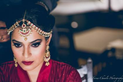 Bride in marsala lipshade | #TrendingAF – Best Bridal Lipstick Shades to be a pouty bride!