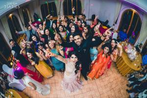 bride & groom with their tribe |#DanceDance - Latest Punjabi Wedding Songs for your 2018 Wedding Sangeet