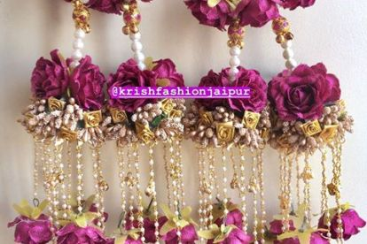 Pretty kaleere | Trending kalire for 2019 brides | Floral Kaleere | Flower jewellery | Bridal Accessories