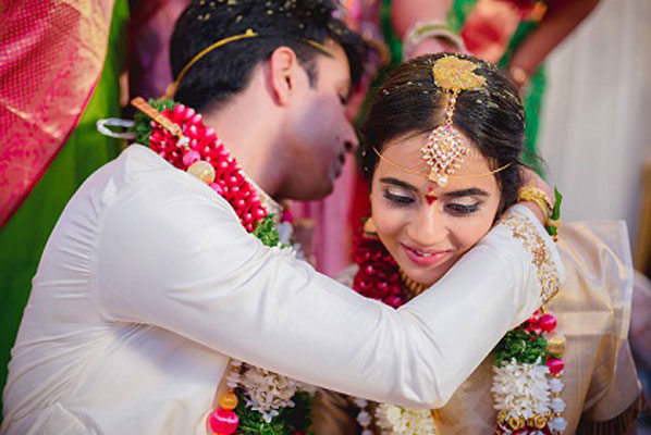 Namrata & Kiran | Personalized wedding in Hyderabad | southindia style wedding ceremony |Bride in a white and gold silk saree