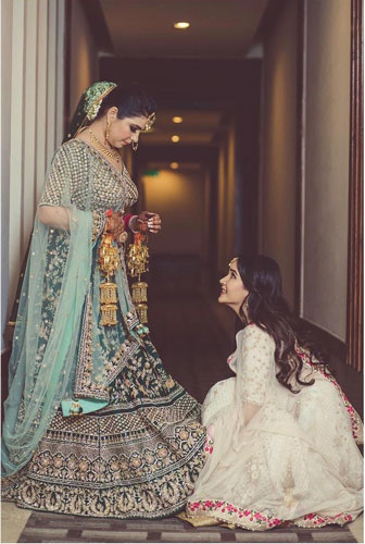 Sister of the bride   Indian bridesmaids   Shiv Shakti Sachdev   Indian weddings   Maid of Honour   Indian wedding Photography   Photos every bridesmaid needs   Candid pictures  