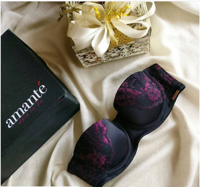 Amante lingerie - Innerwear secrets for the Indian girl | bride's essentials | rPurple and black strapless lace bra with the Amante Gift box