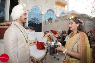 Indian Weddings | Sister-Brother goals | Sister of the Groom duties | Indian Wedding Traditions | Indian Bridesmaids | Fun Wedding Moments | Sonam Kapoor | Bhai ki arti | Mohit Marwah | Baraat |