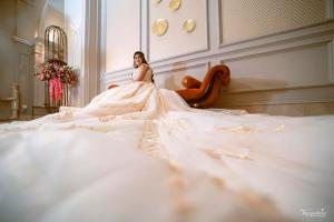 gown trail | Noor and Akshay | Delhi Weddings | Indian brides | Engagement outfit ideas | Bridal Gowns | Gown with a trail | Gowns for brides | White gown | Real Brides | Just Engaged | Bridal portrait | Wedding Photography |