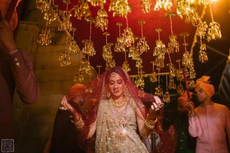 Trending New ideas for Phoolon ki Chadar | Different types of Phoolon ki Chadar | Bridal entry | Bridal swag | Red Dupatta with hanging kalire | Kaleerein |