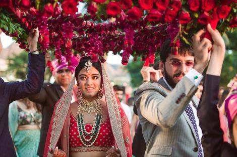 Trending New ideas for Phoolon ki Chadar | Different types of Phoolon ki Chadar | Bridal entry | Bridal swag | With Red roese | real flower | hanging red roses |