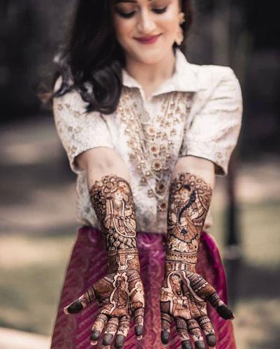 Budget mehendi lehenga outfits |  Bridal portraits | Bridal Photography | Henna inspiration | Mehendi outfit ideas | Portrait henna |  Bridal looks | Wedding photographer |