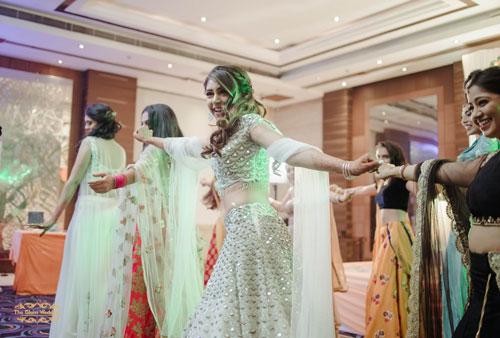 Happy bride | Celebrity wedding | Dancing bride | Bride solo performance | engagement dance | bollywood dance
