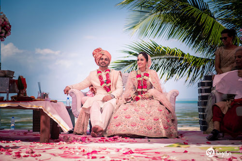 #pasha2019 | Beach wedding in Kenya | Paayal & Samir | Jaimala | Getting married | Photography details