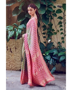 Alia Bhatt in Manish Malhotra | Banarasi bandhej silk saree | Indian wedding trends | Inflencers | Bride to be | Trousseau | Pink and green saree | Hand woven | Textiles