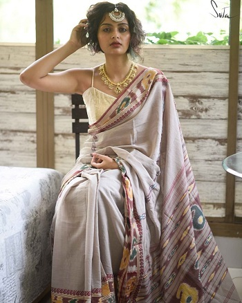 Cotton saree paired with a crop top | Bralette | How to style old sarees | Trending new ideas | Indian Wedding Blog