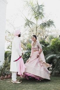 Pankhuri & Gobind | Twirling bride photos | Pastel weddings | day weddings | Newly weds | post wedding Photography |