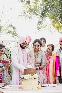 Cake cutting after wedding | Indian wedding Photographer | candid weddings |