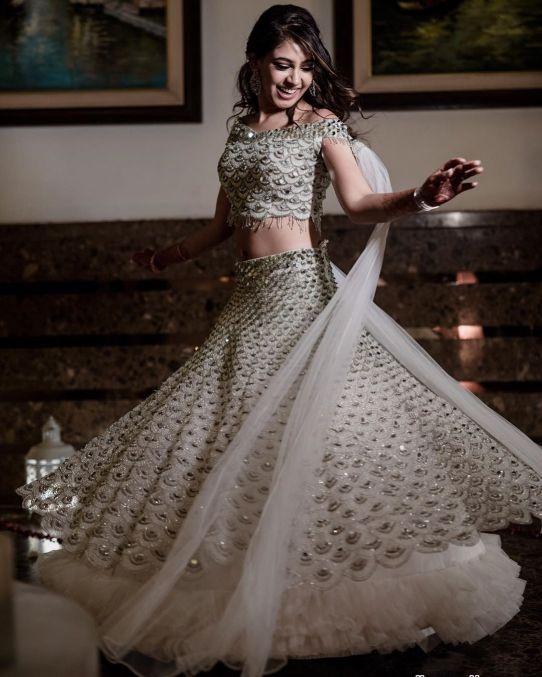 Niti Taylor engagement | pre-wedding shoot ideas 2019 Celebrity Wedding Trends of 2019