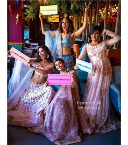 Fun ideas to pose with your sister | Singer Neeti Monhan posing with her sisters | Celebrity Wedding Trends of 2019
