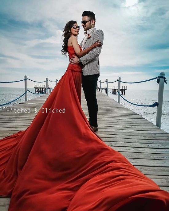 red pre wedding outfit ideas | Best Spotted Pre-Wedding Shoot Trends