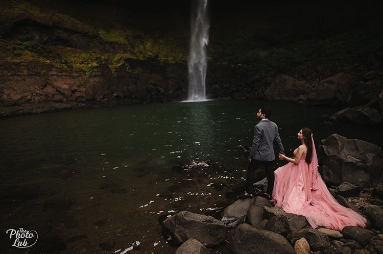 couple pre wedding shoot in Pune | Pre-Wedding Shoot in Pune