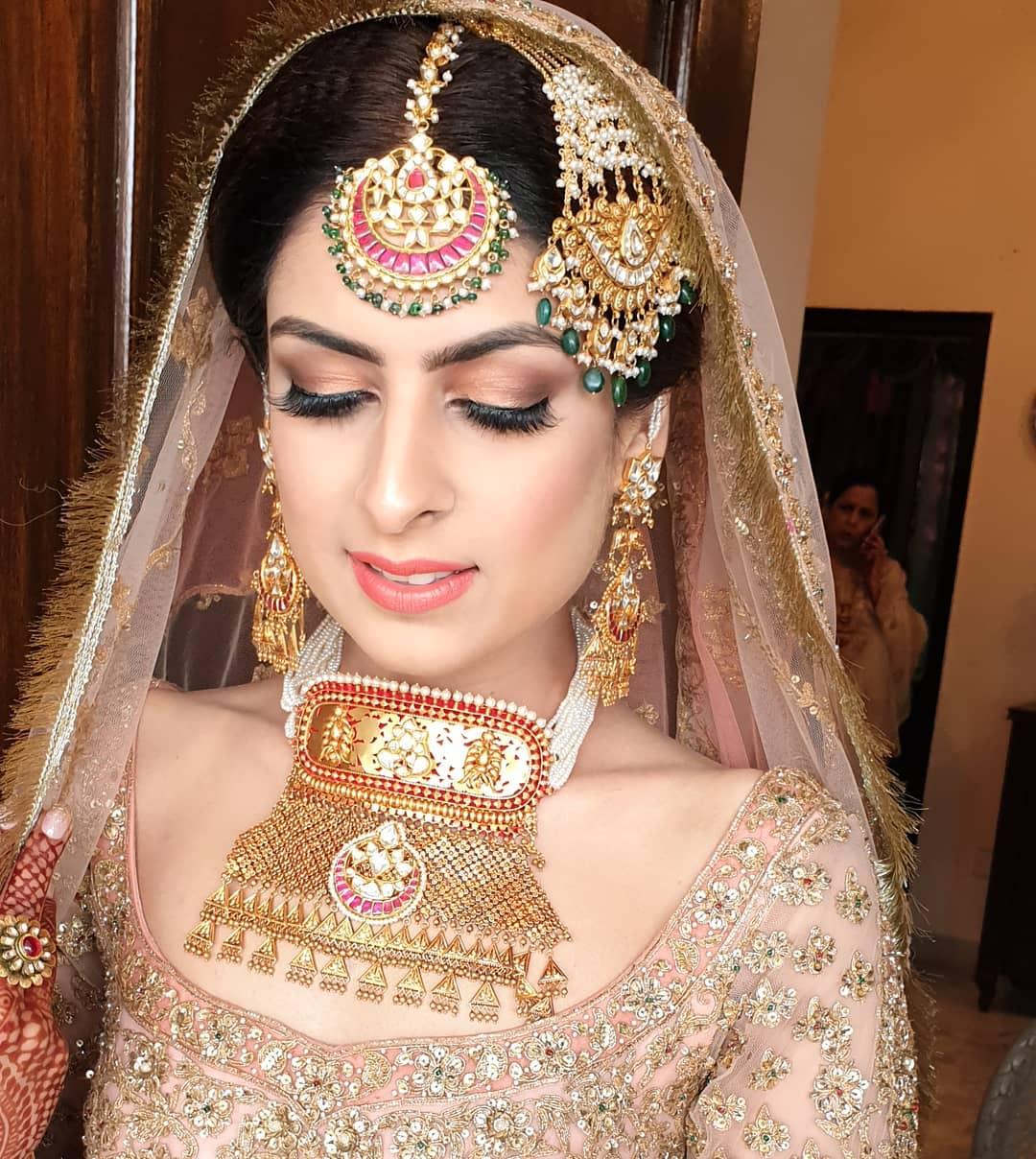hasli haar | vintage jewellery | aardiya Bridal Necklace Designs | diamond necklaces for indian brides #wittyvows #indianbridaljewellery #bigfatindianwedding #rajasthanibride