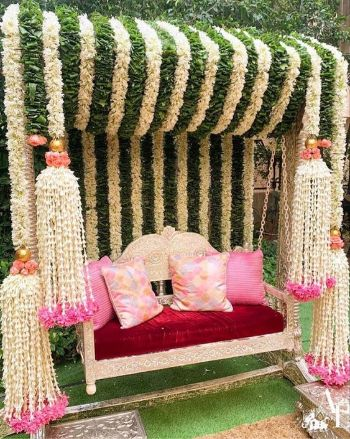 Bridal Mehendi Seat | Mehendi Function Mistakes