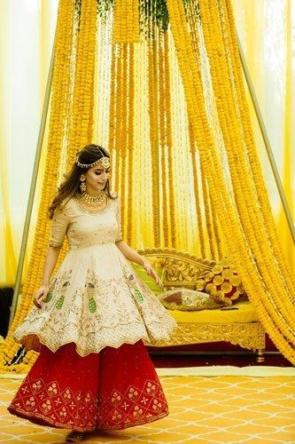mehendi outfit ideas \ Mehendi Function Mistakes
