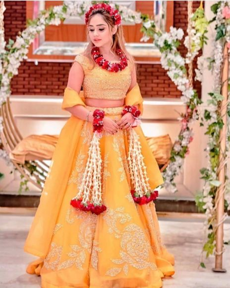 beautiful haldi day jewellery for the bride Wedding Trends for Haldi Ceremony