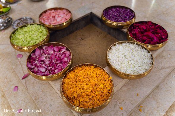 floers at wedding in Kerala | marigold rose lilly lotus