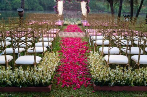 mandap setting done right | wedding in Kerala