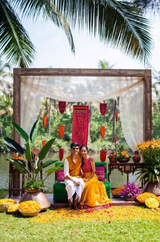 indian couple posing for wedding pictures