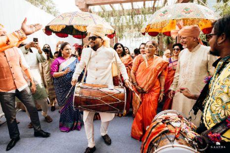 groom dashing entry ideas   eco friendly wedding