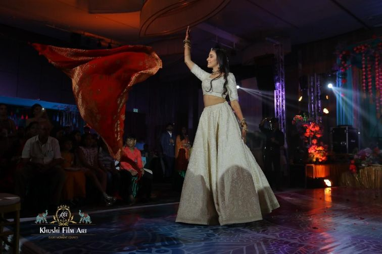 dancing moments from indian wedding function