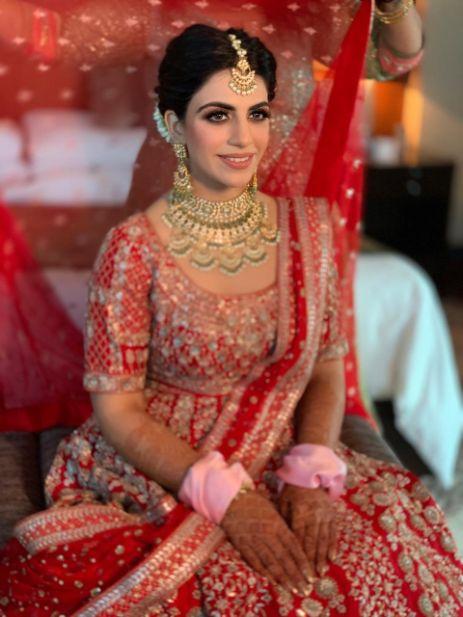 bridal neckpiece | bridal hairstyle ideas | Anita Dongre Wedding Lehenga