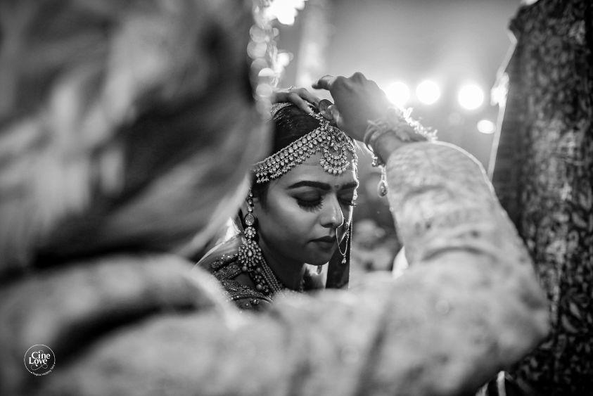 sindoor daan ceremony | Gorgeous Sabyasachi Lehenga in Pink - Delhi Wedding