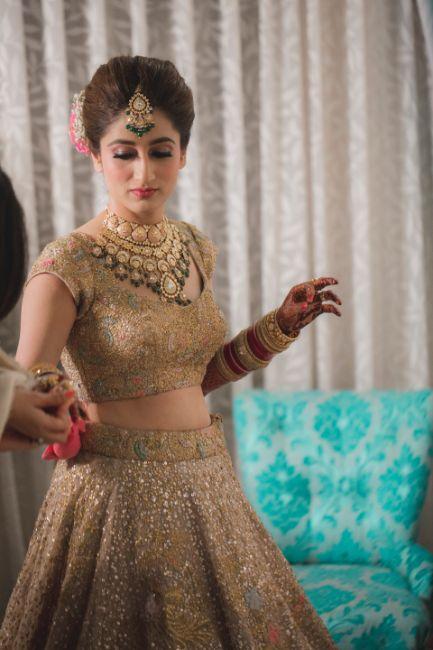 bridal getting ready photos