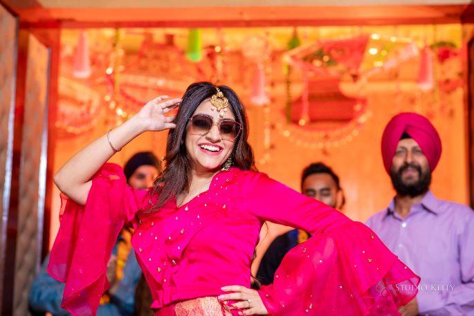 indian bride dancing | indian weddings