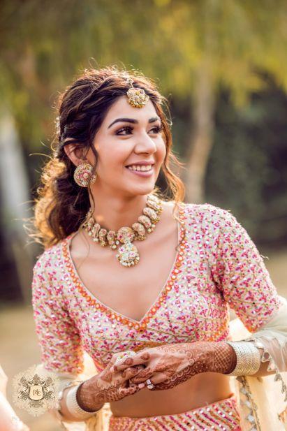 bridal blouse front neck ideas | Mirror Work Lehenga for Mehendi