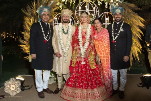 full family photos at indian weddings