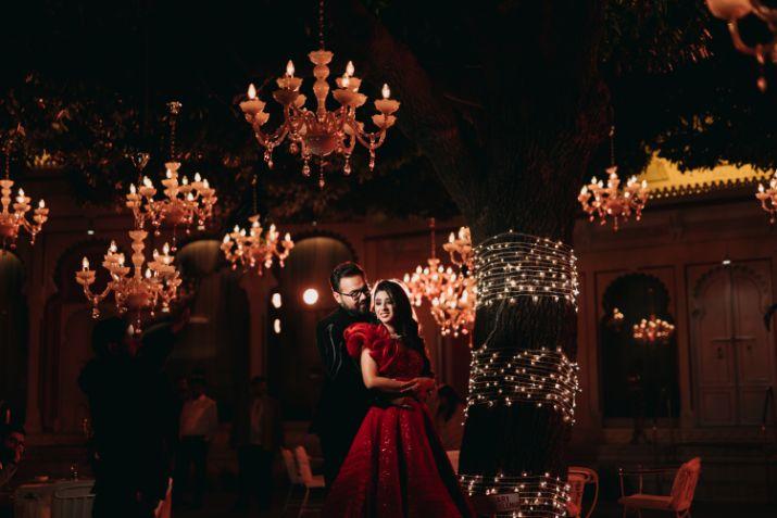 bride nad groom photoshoot ideas