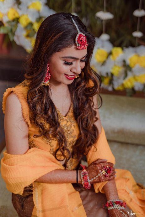 candid haldi capture | indian wedding | bridal makeup | bridal hair