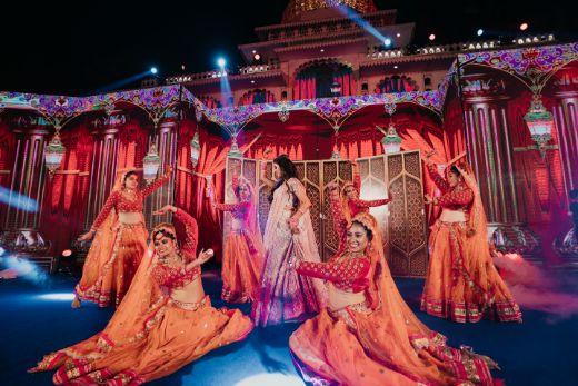 indian bride | dance performance | Destination Wedding in Udaipur